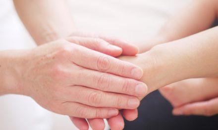 Bàn tay chữa lành – tư tưởng, cảm xúc và bệnh tật